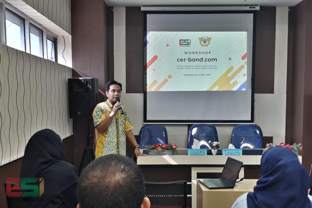 Bapak Dodi Oktavino menjelaskan teknis dan cara kerja CER-Bond (Foto: Adrian Sabagus / EDIfly Solusi Indonesia)